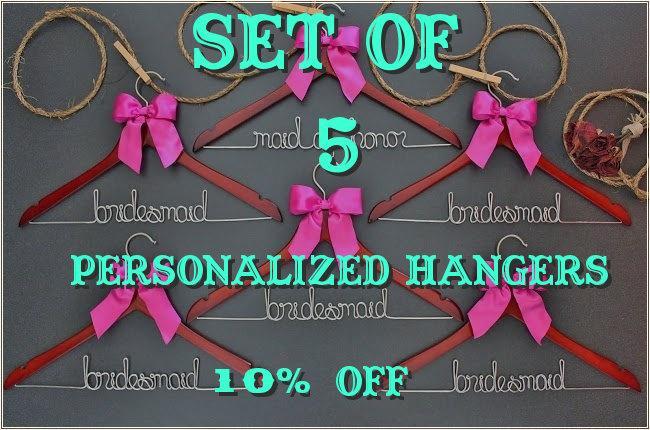 Свадьба - Set of 5 Personalized Hangers - Bridesmaid Hanger