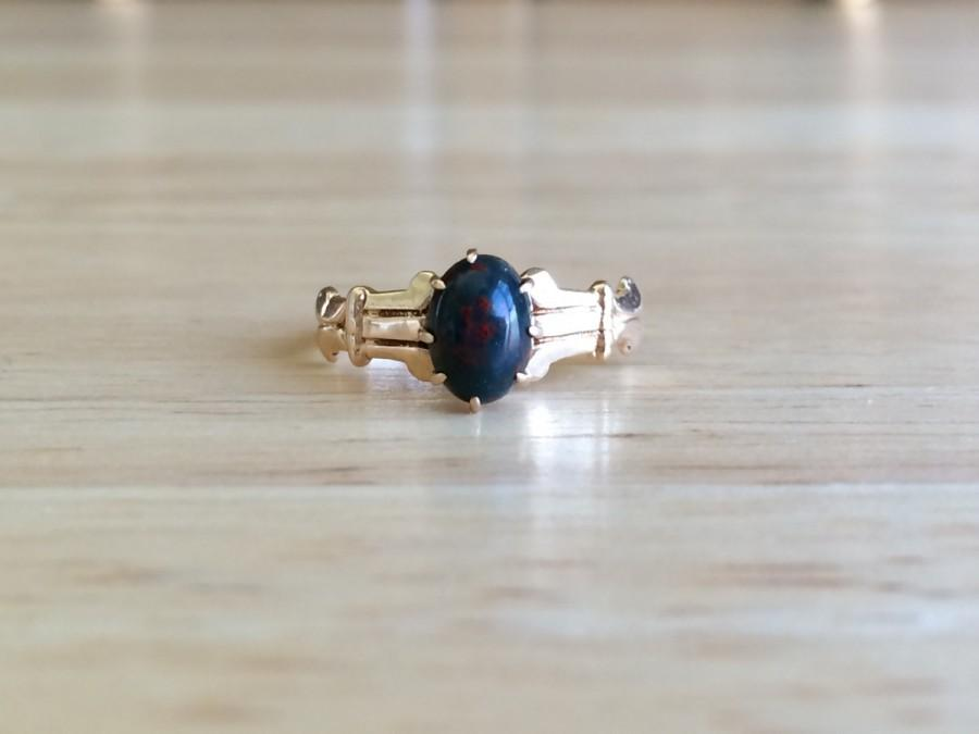 Свадьба - Antique Engagement Ring - Victorian 10kt Yellow Gold Bloodstone Solitaire - Size 6 Sizeable Alternative Wedding Antique Goth Fine Jewelry