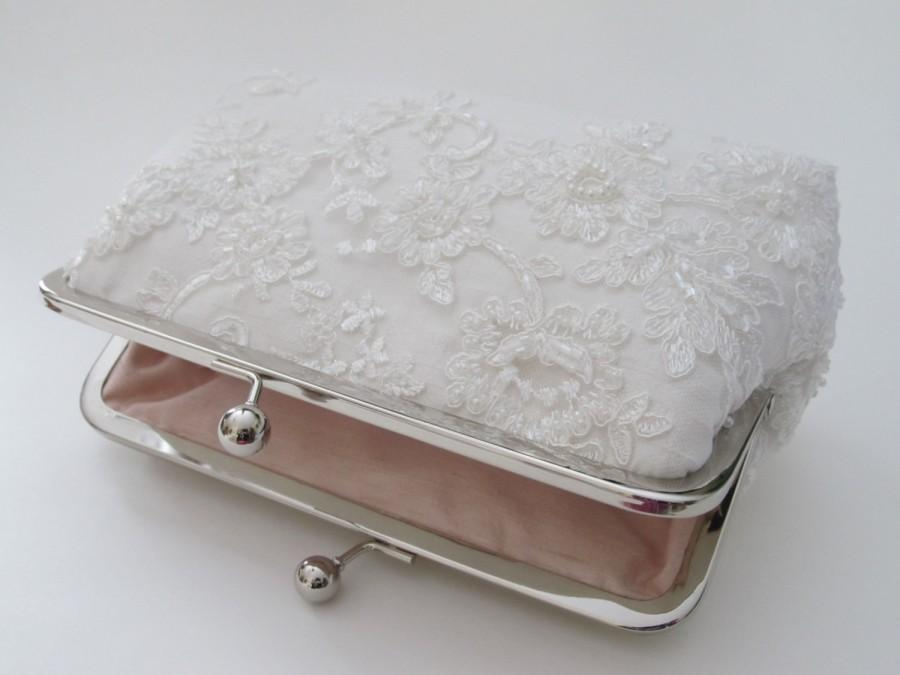 Свадьба - Silk And Alencon Beaded Ivory Lace Clutch,Bridal Accessories,Wedding Clutch,Bridal Clutch,Bags And Purses