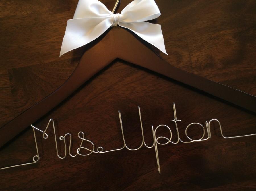Свадьба - CYBER SALE Wedding hanger, Bride hanger, Bridesmaid hanger, Personalized wedding hanger, Wedding dress hanger, Custom hangers