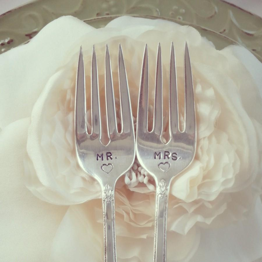Hochzeit - Mr. Mrs. wedding cake forks, Mr. Mr., Mrs. Mrs. wedding cake forks hand stamped,  personalized, silver plated