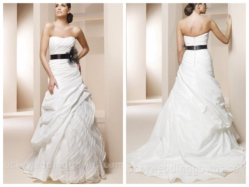 Trumpet Wedding Dress With Sweetheart Neckline And Black Sash