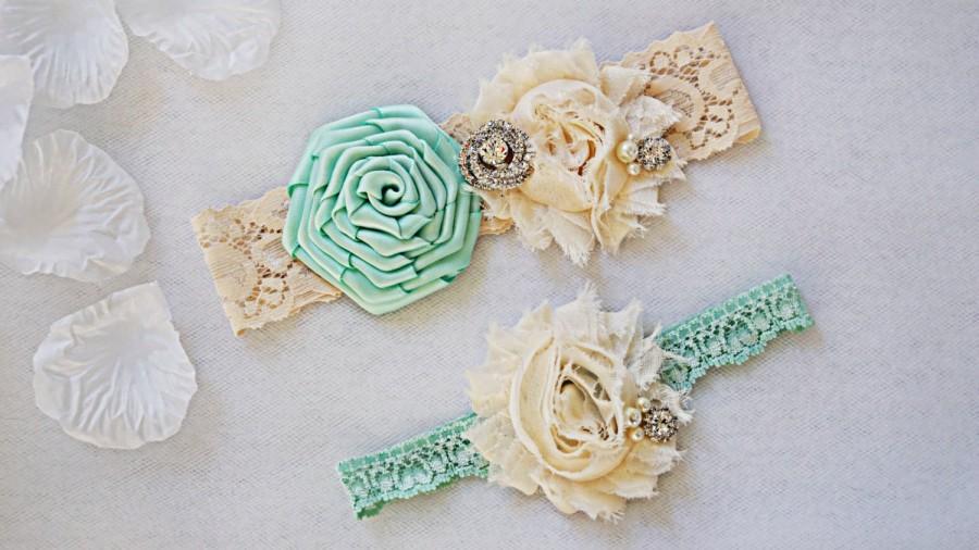 Mariage - MINT GREEN wedding garter set, customizable, bridal garter, lace garter, keepsake and toss garter, wedding garter, flower garter