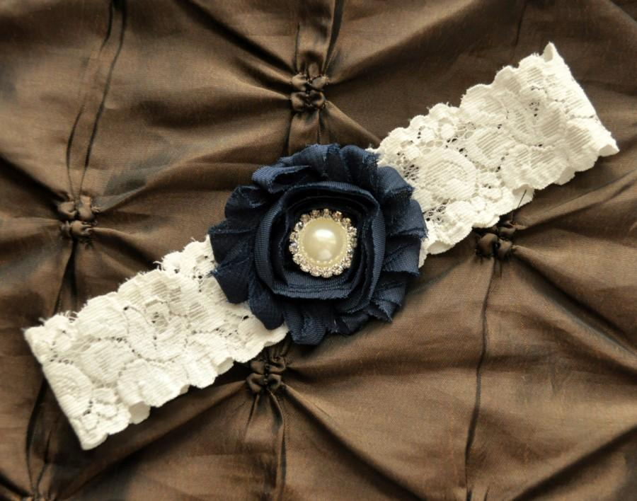 Свадьба - Navy Wedding Garter, Navy Bridal Garter - Ivory Lace Garter, Toss Garter, Blue Garter, Something Blue Wedding Garter Belt, Ivory Garter