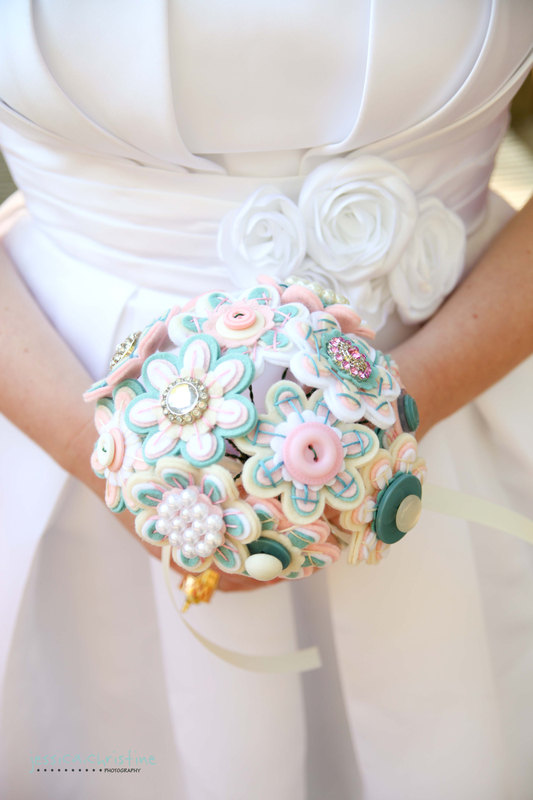 Свадьба - Custom Color Felt and Button Toss Bouquet