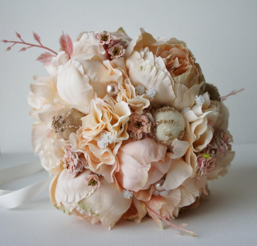 Mariage - Peony Bridal Bouquet, Silk Wedding Flowers, Champagne Wedding Flowers, Vintage Wedding, Rustic Wedding Shabby Chic Wedding, Bride Bridesmade
