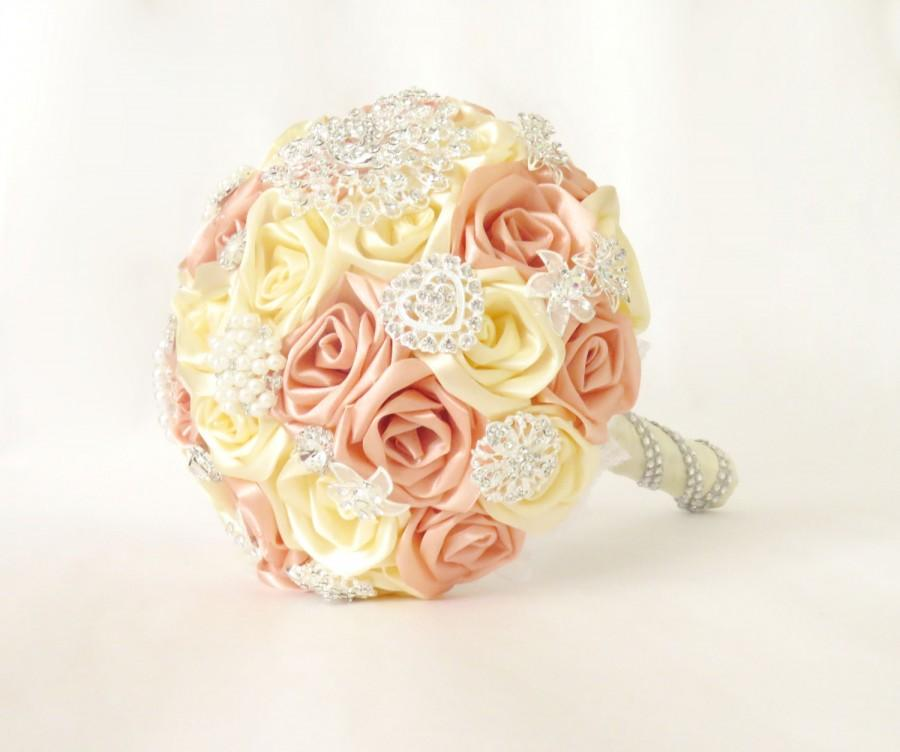 Mariage - Satin ribbon roses wedding bridal bridesmaid bouquet creamy beige,peach with pearls, lace, rhinestone, pearl brooches, kanzashi bouquet
