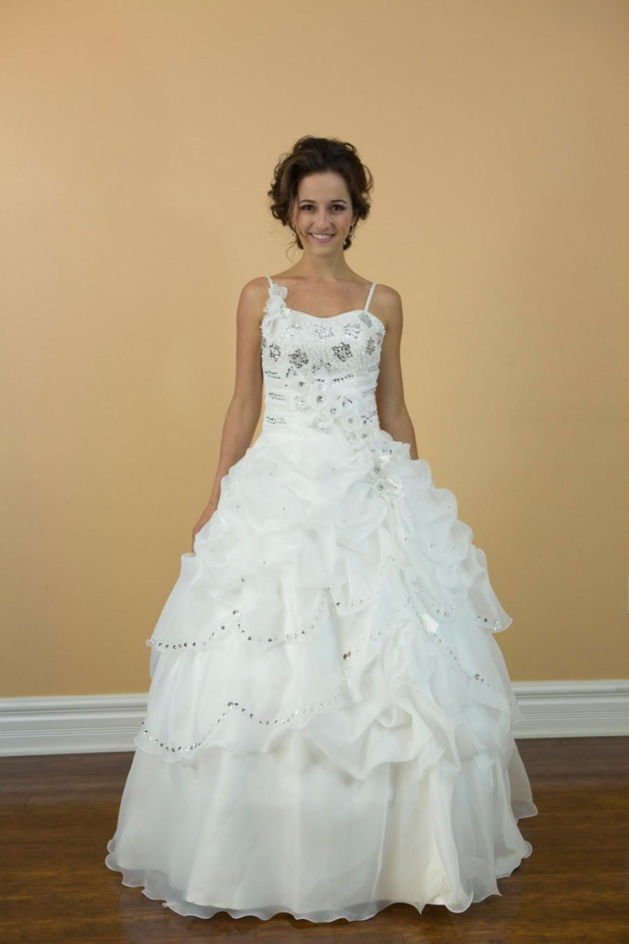 Boda - Sweet 16, Prom Romantic Ballgown, White Sweetheart with thin straps Organza Wedding dress