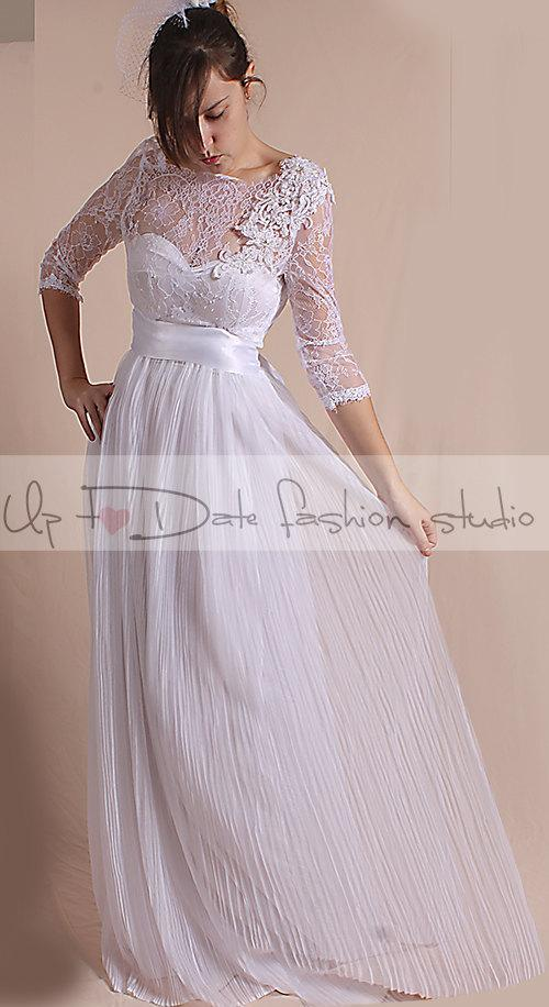 Свадьба - Unique Plus Size Wedding chantilly lace top dress/ 3/4 Sleeves/ with Sequins Flower Beaded Applique