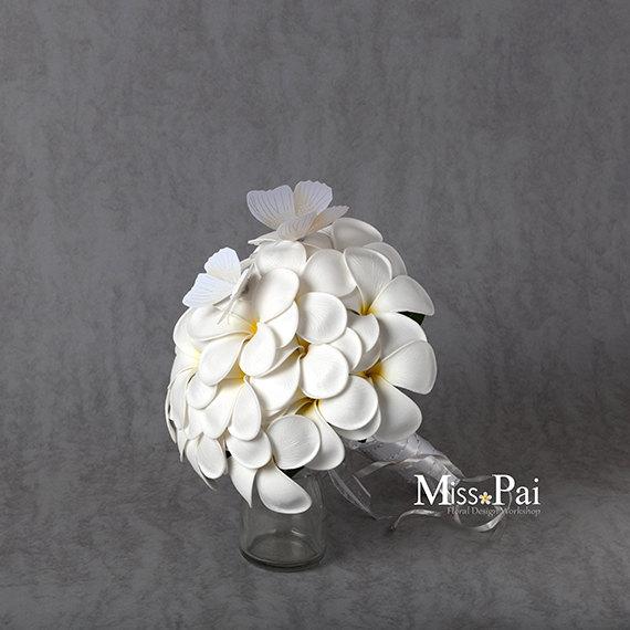 Mariage - Free Shipping Hand-made White frangipani plumeria Wedding bouquet /very real