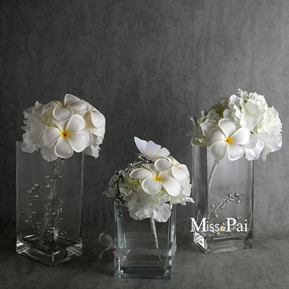 Mariage - Free Shipping Hand-made white frangipani plumeria bouquet /very real/ table decoration