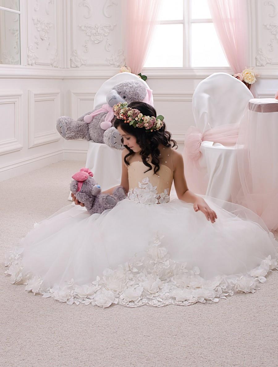 Свадьба - Ivory and Beige Flower Girl Dress - Wedding Party Holiday Birthday Bridesmaid Flower Girl Ivory and Beige Tulle Dress