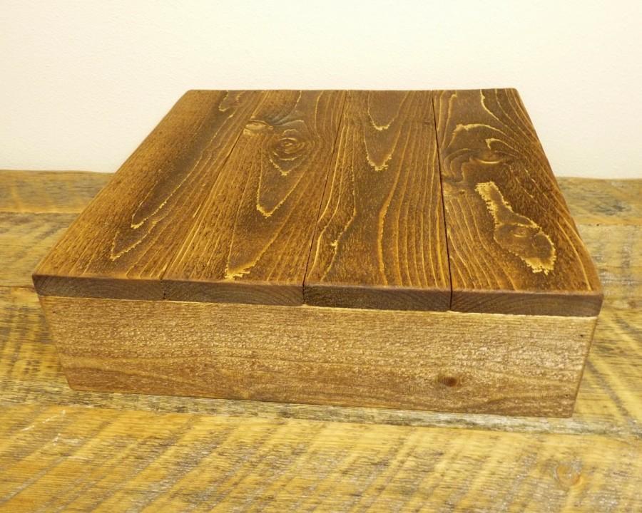"""Свадьба - Rustic Wood Cake Stand - 16""""x16"""" & 18""""x18"""""""