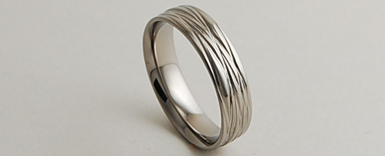 Mariage - Mens Wedding Band , Titanium Ring , The Sphinx Band with Comfort Fit Interior