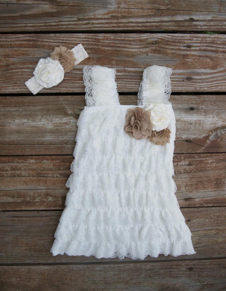 Mariage - Lace rustic flower girl dress. Ivory lace dress. Lace toddler dress. Petti lace dress. Lace flowergirl. Ruffle dress.