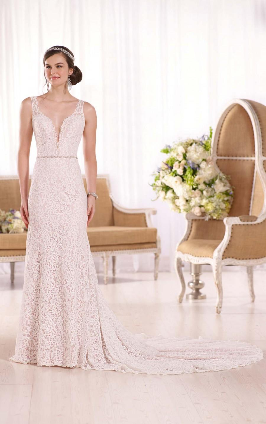 Wedding - Essense of Australia Low V-Neck Bridal Wedding Gown Style D2046