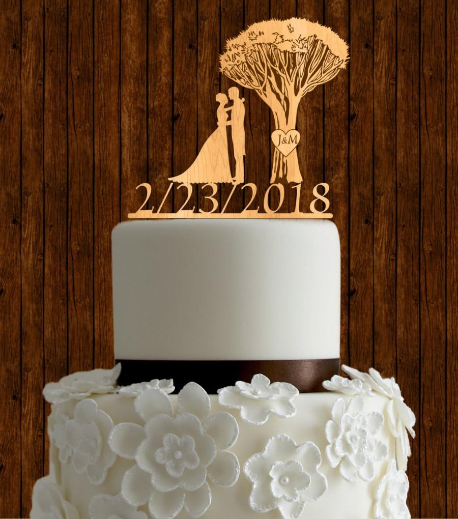 Hochzeit - Tree of life wedding cake topper / wood wedding cake topper / love couple cake topper / initial cake topper / cutom cake topper
