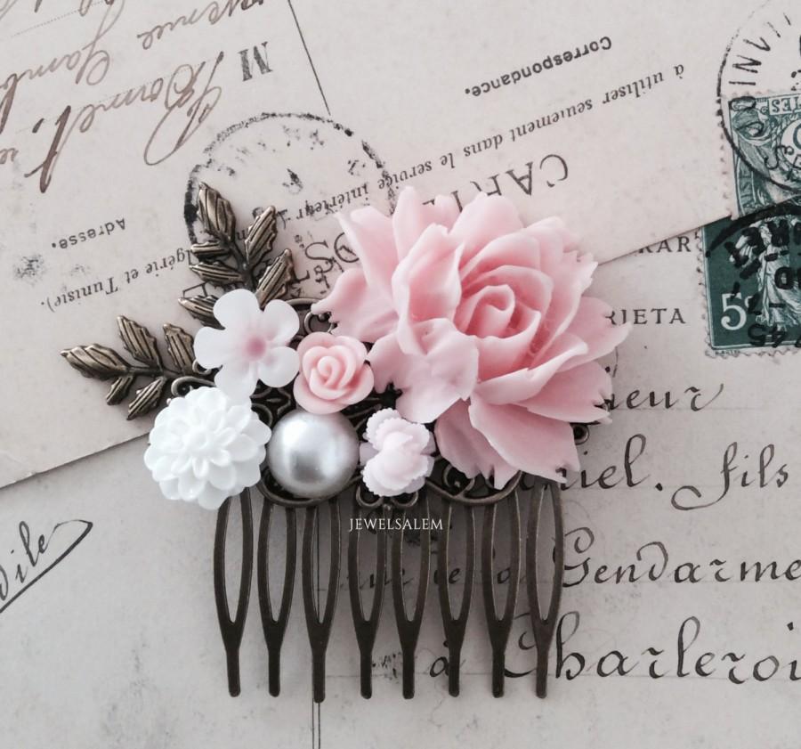 Свадьба - Pink Wedding Hair Comb Blush Pink Bridal Comb Bridesmaids Gift Flower Headpiece Pastel Floral Hair Slide Shabby Chic Soft Light Pink Comb