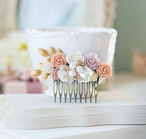 Mariage - Blush Pink White Ivory Rose Hair Comb, Rustic Vintage Wedding Hair Accessory, Bridal Hair Comb, Mother of Pearl Gold Brass Leaf Crystal Comb