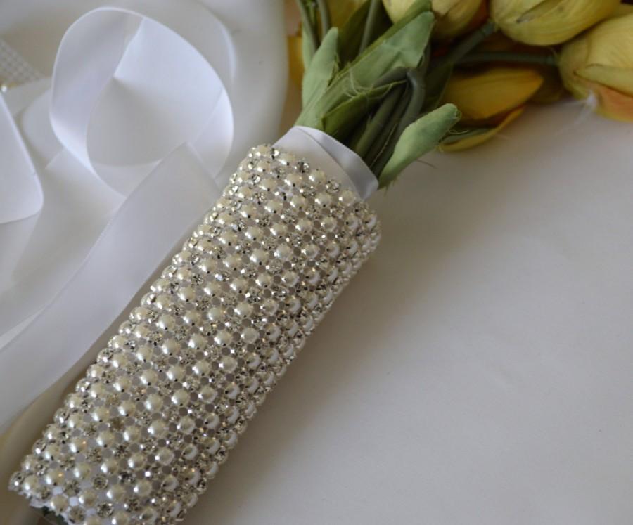 Mariage - Beaded Rhinestone pearl Crystal Bridal Bouquet Wrap ,Bridal Bracelet,Wedding Bouquet Wrap,Bridesmaide Bouquet,pearl and Rhinestone Bouquet