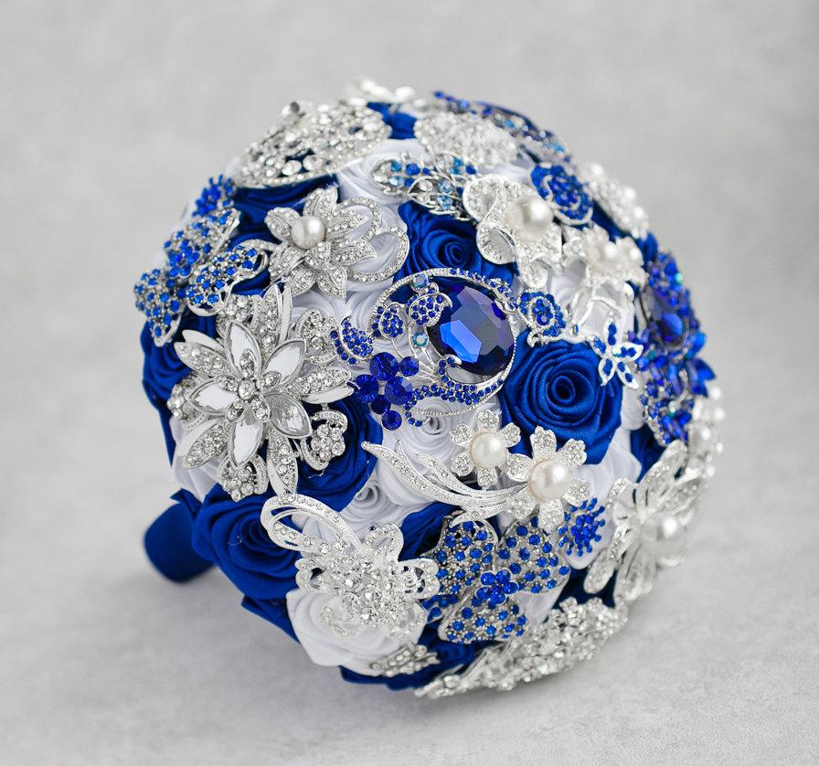 Mariage - Brooch bouquet. White, Royal Blue and Silver Brooch Bouquet, Bridal bouquet.