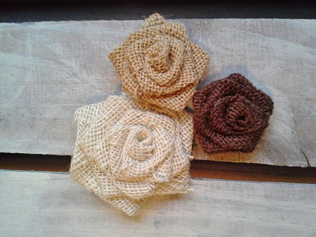 """Mariage - Set of 25- Burlap Rosettes-1.5"""" Small- 3 Colors Available- Weddings/ Country/ Folk/ Rustic-Primitive/Americana-Fabric Flowers-DIY"""