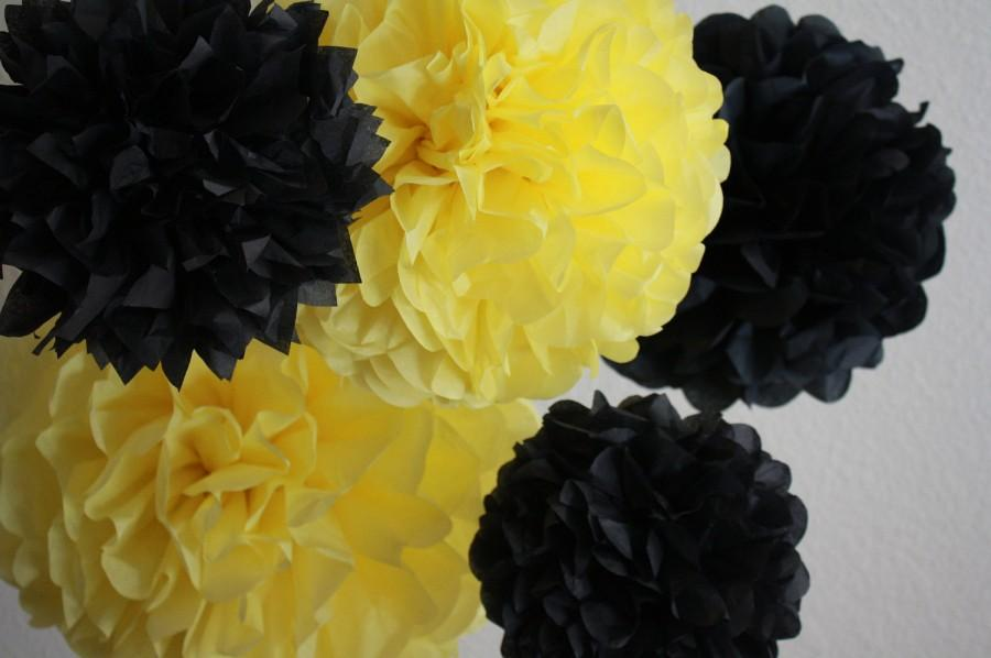 Wedding - Tissue Paper Pom Poms - Set of 10 Poms- Bumble Bee Party - Honey Bee - Winnie the Pooh party