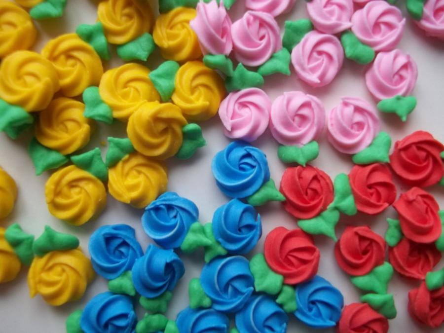 Cupcake Decorating Ideas With Royal Icing : Mini Royal Icing Rosettes -- Cake Decorations Cupcake ...