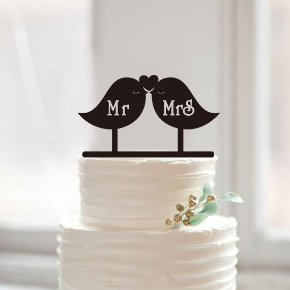 Mariage - Love birds cake topper with mr and mrs,custom mr mrs cake topper ,wedding cake topper,modern cake topper for wedding,rustic cake topper42605