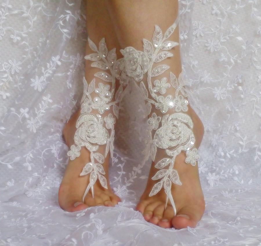 Свадьба - ivory beaded lace barefoot sandal beach wedding