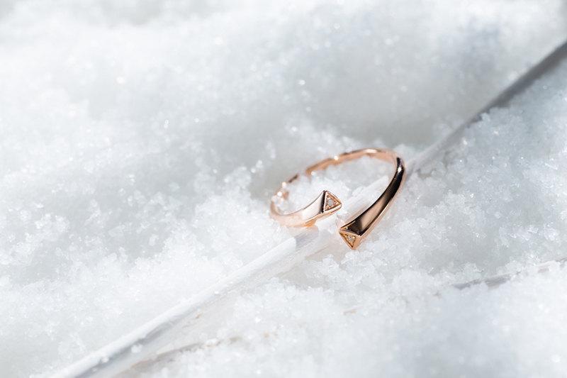 Flower engagement ring rose gold