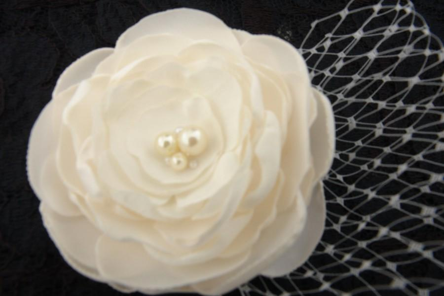 Mariage - Ivory Flower Hair Clip Fabric Flower Brooch Flower Clip- Pearl Center Flower Clip Flower Headband Bridal Flower Pin