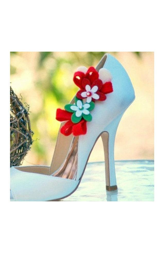 Свадьба - Red Green White Flower Bows Shoe Clips. Etsy Handmade Nuptials, Fashionista Feminine Spring Holidays Gift, Couture Friend Teen Mother Tween