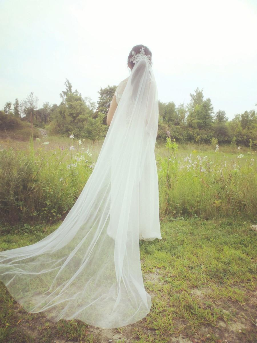 Mariage - Wedding veil, chapel length veil with beading lace comb --Eleanor