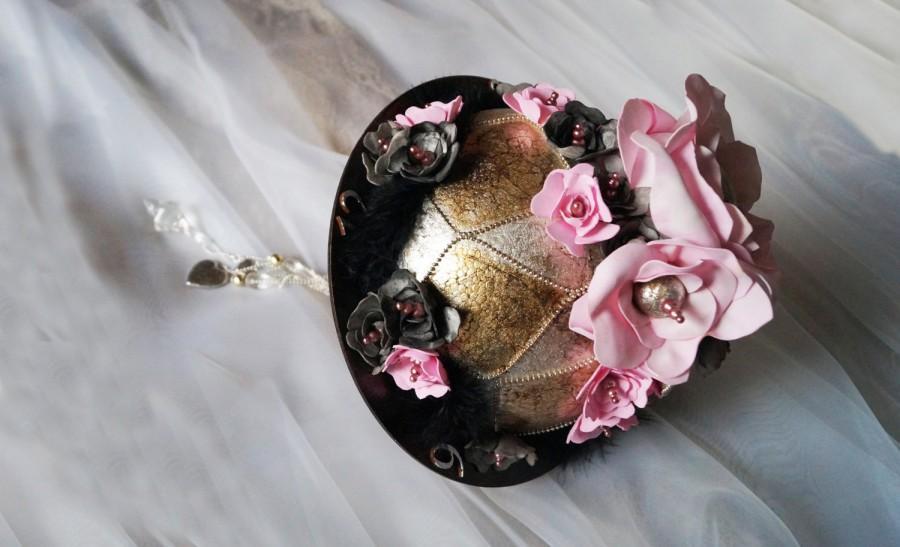 Свадьба - Alice in Wonderland, Wedding Bouquet, Bridal Bouquet, handmade flowers, black feathers, foam flowers,  pink flowers, pink roze, retro style