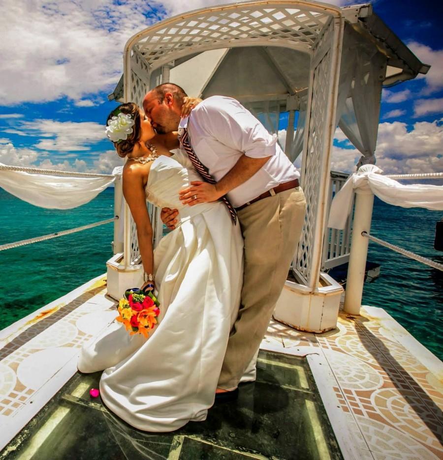 زفاف - SILK GARDENIA CLIP - Tropical Wedding Flowers, Hair Accessory, Hair Flowers, Fascinator, Beach Wedding, Bridal, Headpiece, Hawaiian Flowers
