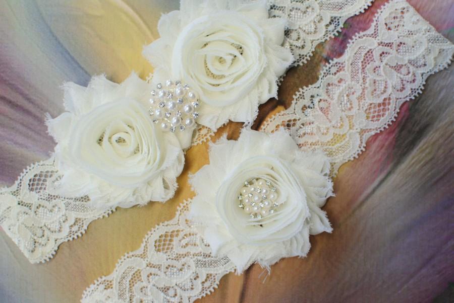 Свадьба - Ivory Garter Bridal Garter Wedding Garter Lace Garter Shabby Flowers Garter Rosette Flowers Garter Vintage Garter Ivory Garters Lace Garder