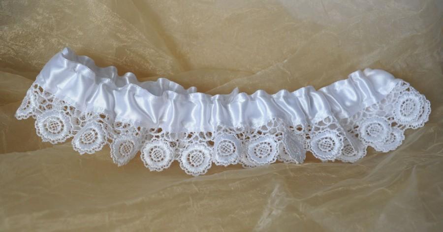 Свадьба - white garter bridal accessories wedding lingerie handmade garter floral lace garter wedding gift keepsake garter lace wedding garter