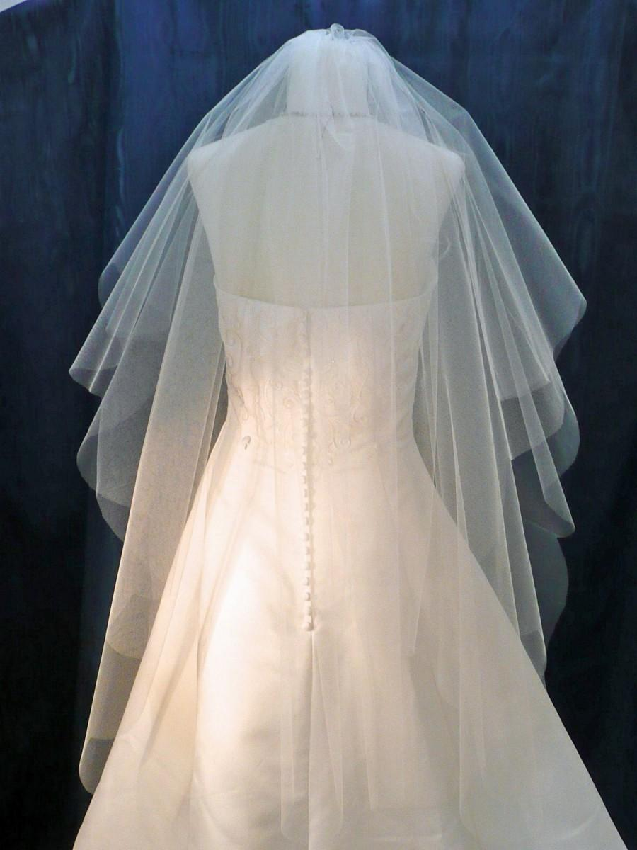 Mariage - 2 Tier Scalloped Edge Wedding Veil  flowing Raw Plain Cut Edge Available in Short to Chapel length