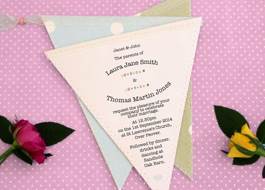 Mariage - Bunting Wedding Invitation in Fabric and Paper for Rustic or Vintage Wedding