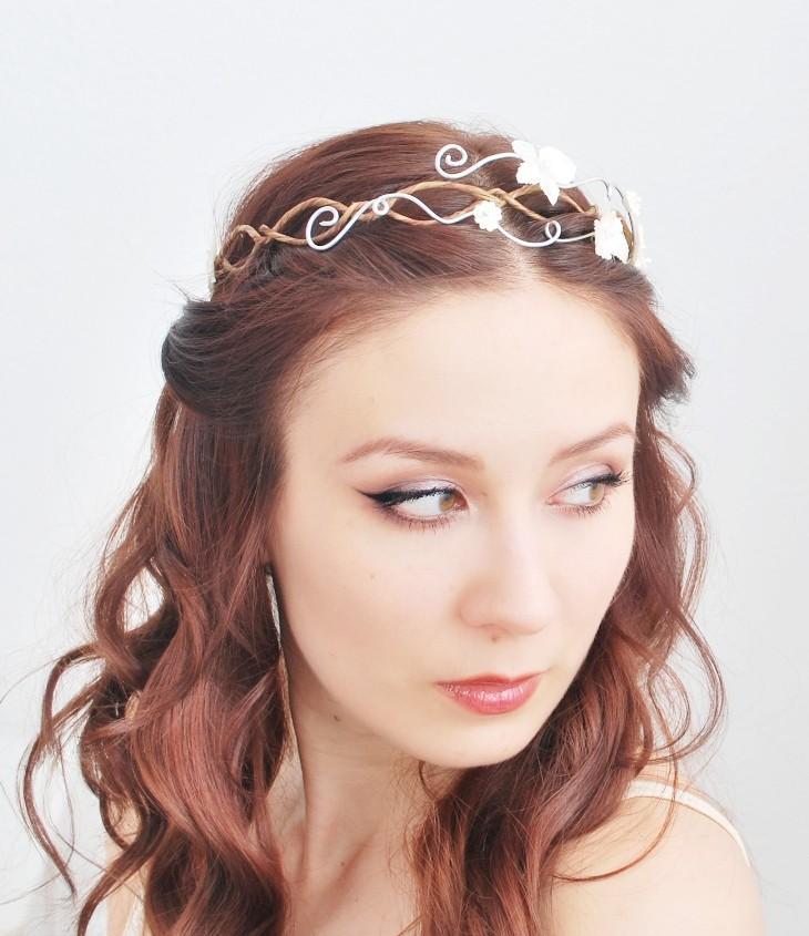 زفاف - Ethereal bridal tiara, white hydrangea flower crown, hair circlet, wedding accessory - Evelyn