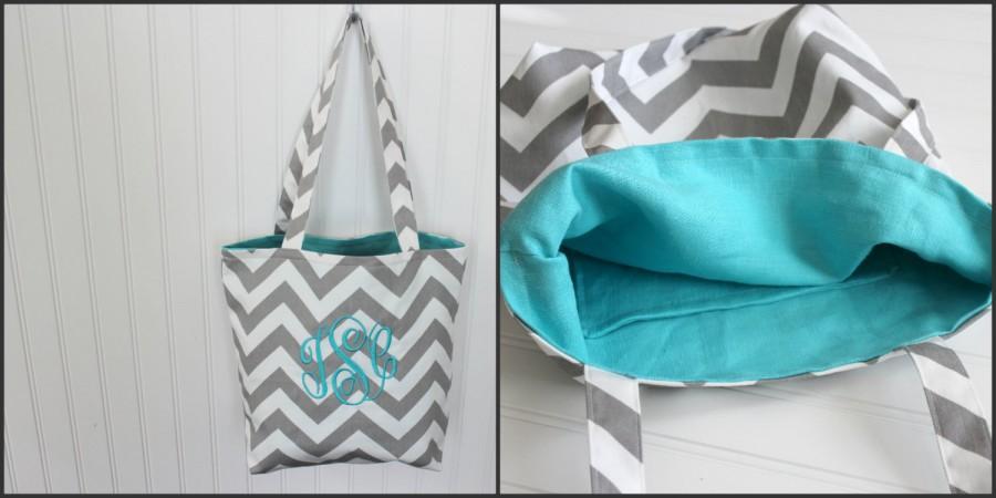 Свадьба - Monogrammed Chevron Tote Bag - Bridesmaid Gift  - Beach Bag - Teachers Gift - Mother's Day Gift - Diaper Bag - Personlized Bag - Gift Bag