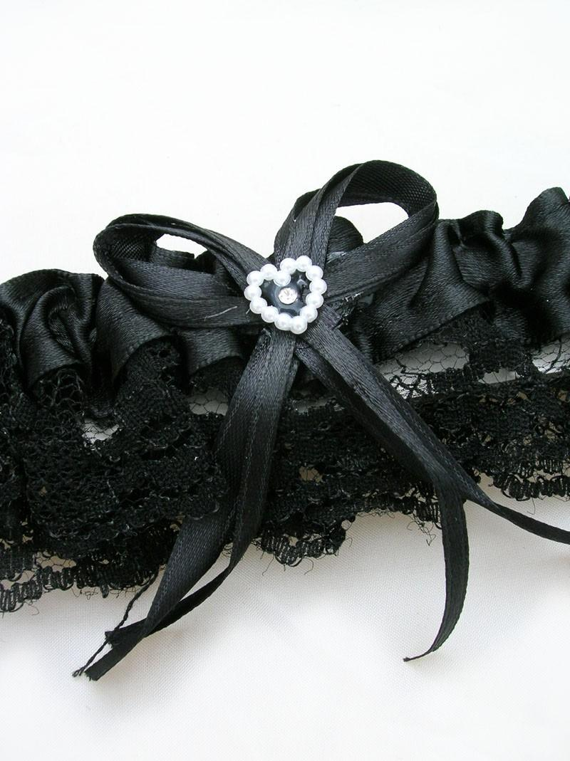 Свадьба - BLACK Lace Toss Away Garter with stretchy elastic band. Add your own finishing touches of feathers, flowers and jewelry.