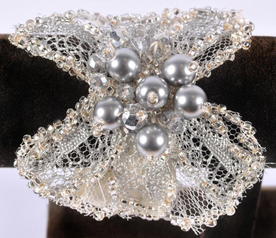 Mariage - silver colour  pearl and crystal bridal cuff bracelet, wedding jewellery
