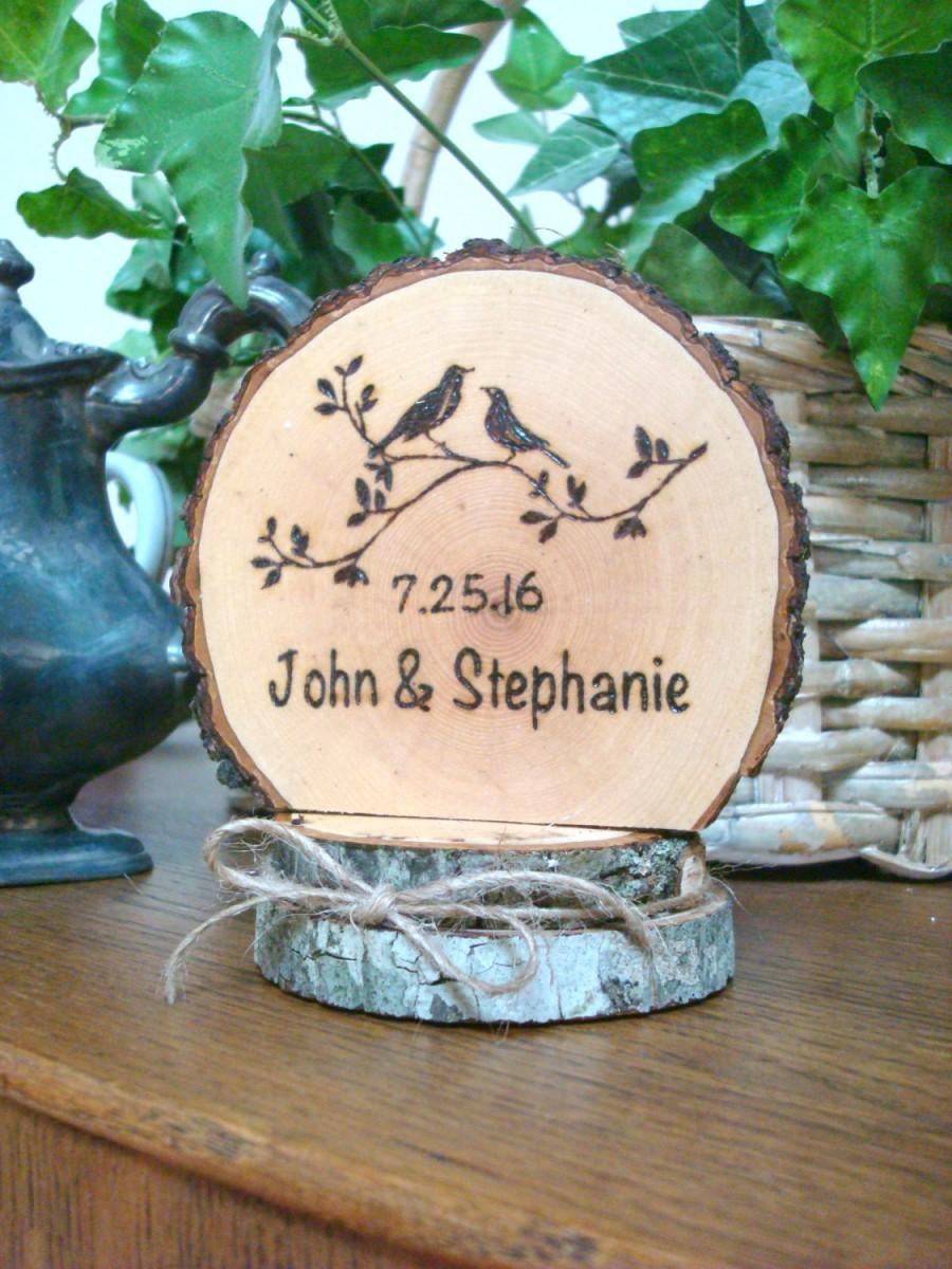 Свадьба - Rustic Woodland Wedding Cake Topper Personalized Country