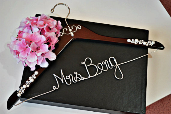 Свадьба - WEEKEND SALE Personalized Bridal Hanger, Name Hanger, Bridal Party, Fast Shipping with Crystal Embellishments