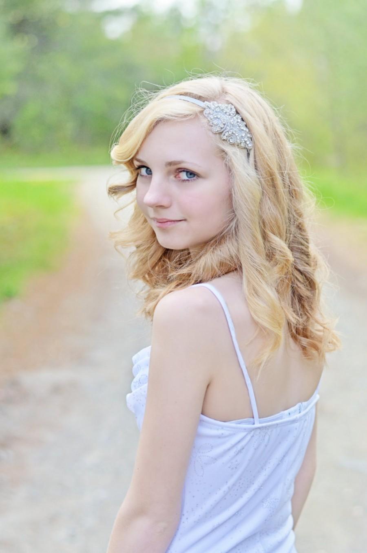 Mariage - Rhinestone Bridal Headband, Rhinestone Applique, Wedding Hairpiece, for Bride, Flower Girl, Bridesmaid, Prom, Quinceanera, or Homecoming