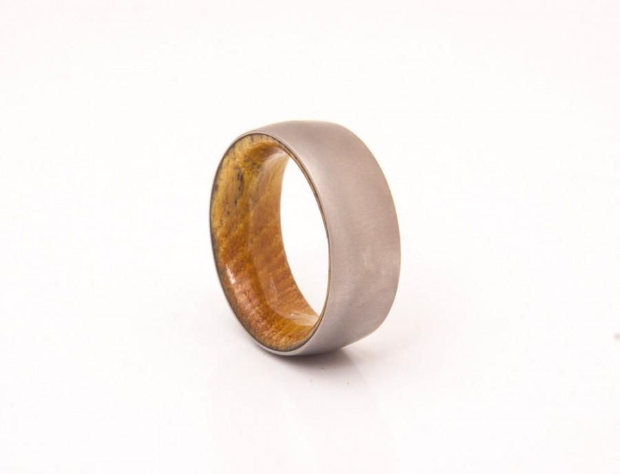 زفاف - Mens Wedding Band with staghorn wood and Titanium Ring comfort fit man ring woman