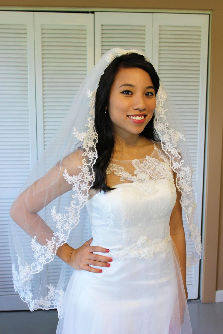 Nozze - Lace elbow length wedding veil, diamond white, one tier, cheap, fingertip length with attached comb