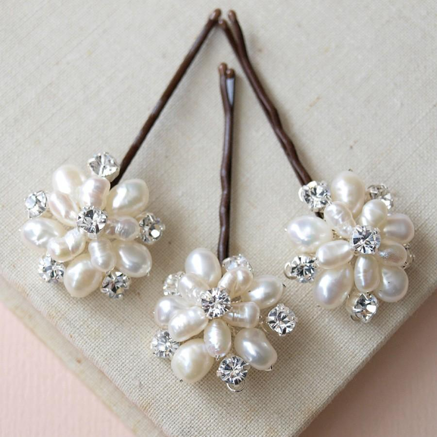 Hochzeit - Flora Pearl Floral Headpiece Wedding Pins Bridal Accessories Bridesmaids Grips Vintage Flower Style Silver Combs Headdress Headpiece Etsy UK